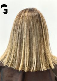 blonde balayage highlights with contrast